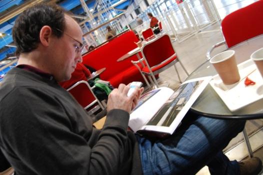 Riposo con caffè americano dopo la mostra di Matisse