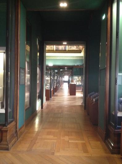 Empty Louvre