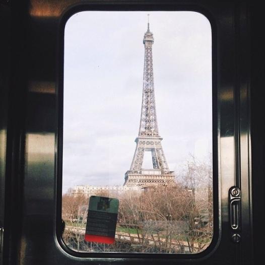 Running around Paris in metro